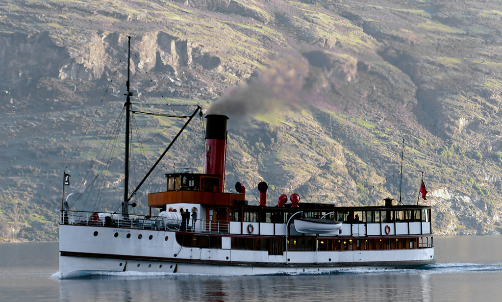 barco-dama-del-lago-queenstown-comoserunkiwi