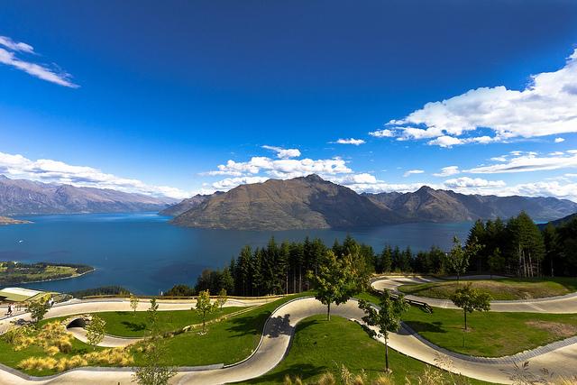 Hermosa panorámica del lago Wakatipu y los Remarkables de Queenstown