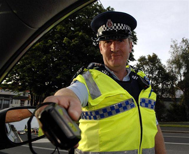 Si no pagamos el permiso de circulación de Nueva Zelanda podríamos tener un encuentro con la policía
