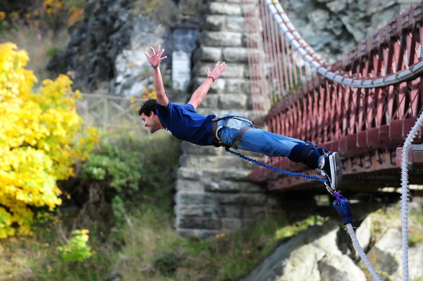 bungy-jumping-nueva-zelanda-comoserunkiwi