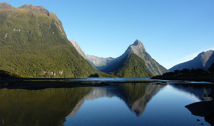Mitre Peak de Milford Sound, Southland, isla Sur Nueva Zelanda