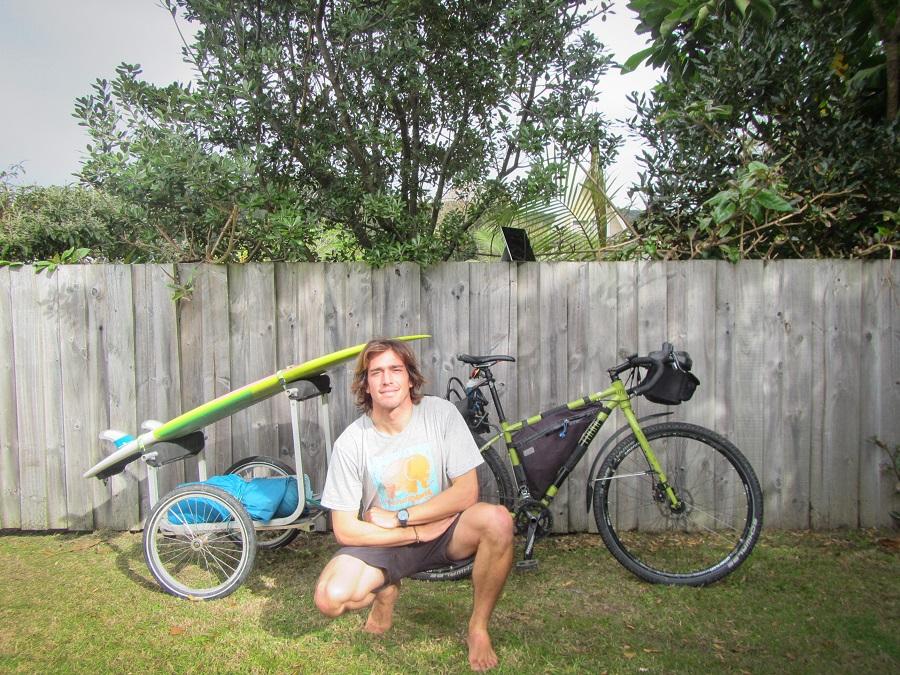 chino-bicicleta-nueva-zelanda-comoserunkiwi