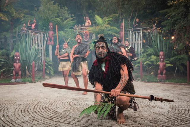 Tour en la aldea maorí Tamaki de Rotorua