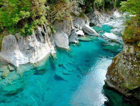 Blue Pools y su piscina natural de azul turquesa